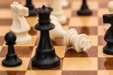 early queen attacks in chess