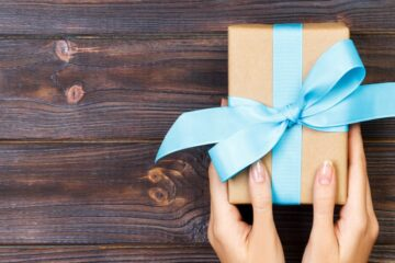 Gift Ideas for Co-workers in Under $200